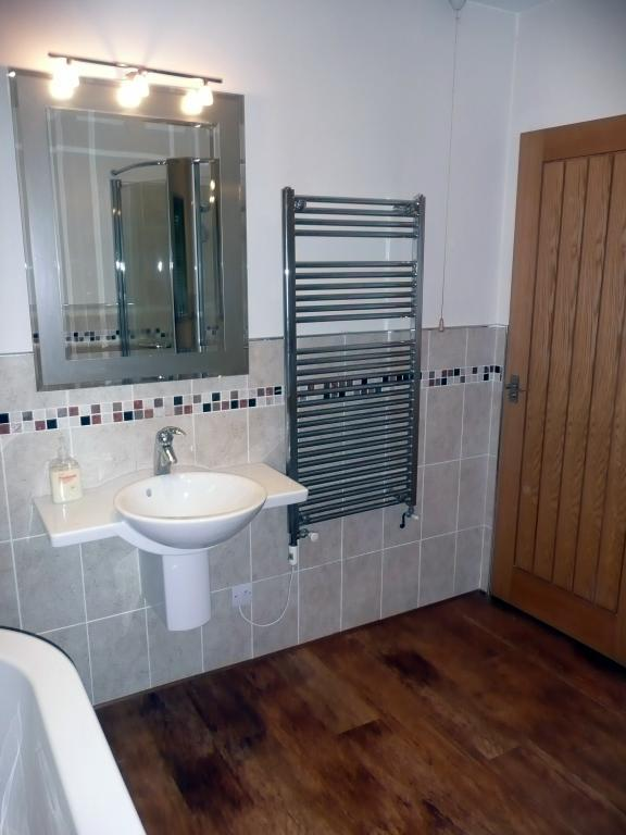 Bathroom at the willows for sale in uckinghall tewkesbury for In the bathroom tewkesbury
